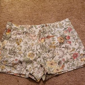 Very cute floral shorts